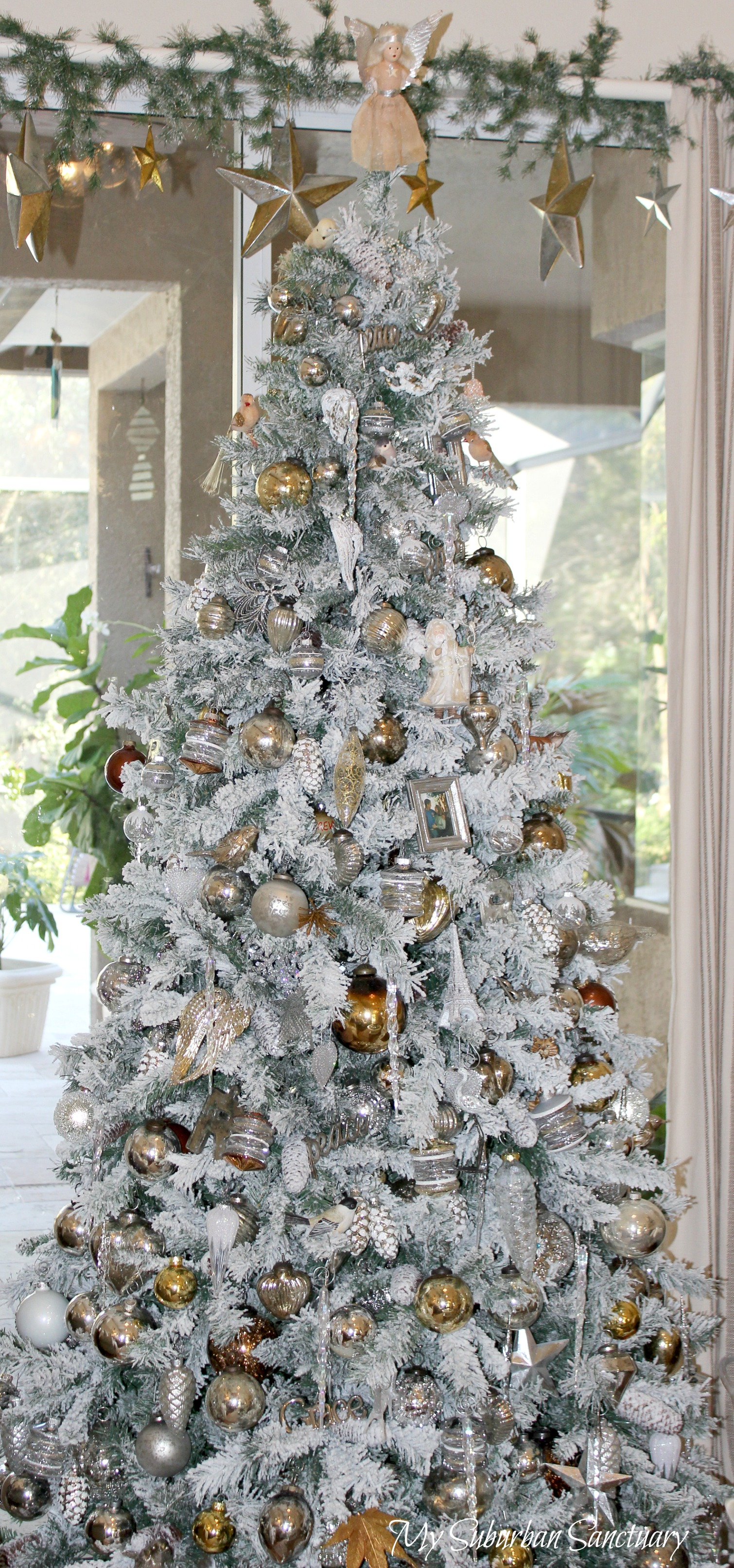 CAN I HAVE CHRISTMAS WITHOUT A TREE???